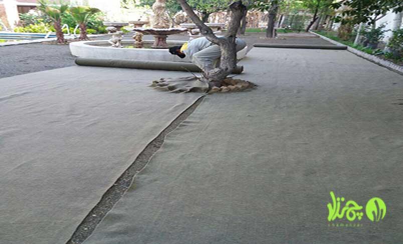نصب چمن مصنوعی بر روی بستر خاک در پروژه باغ آتلیه