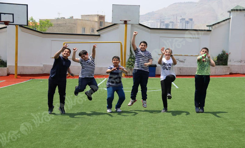 چمن مصنوعی مدرسه نیما یوشیج
