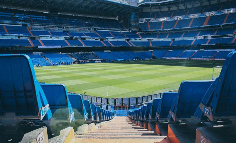 رنگ صندلی استادیوم فوتبال