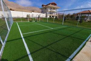 چمن مصنوعی زمین تنیس در منطقه ویلایی آبسرد